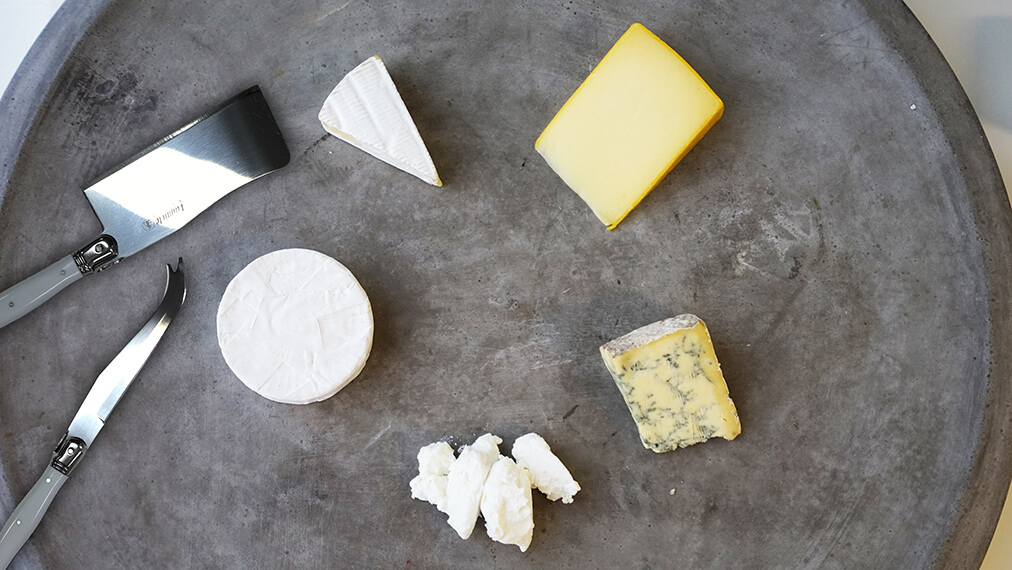Slice the range of Président cheeses the right way